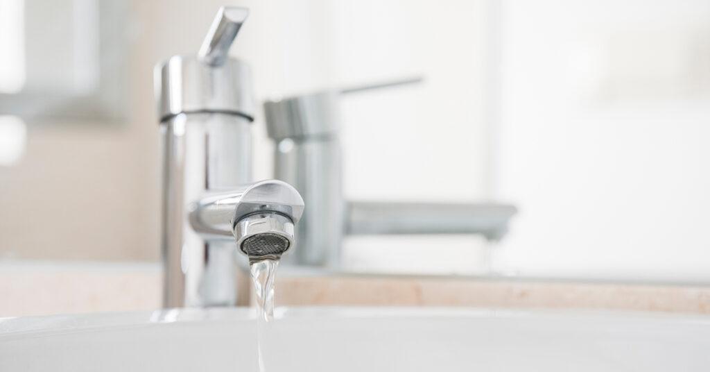 Producir electricidad con el agua del grifo