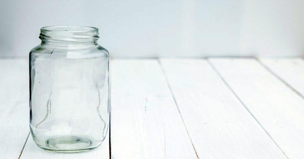 Tarros de cristal y madera para tus plantas