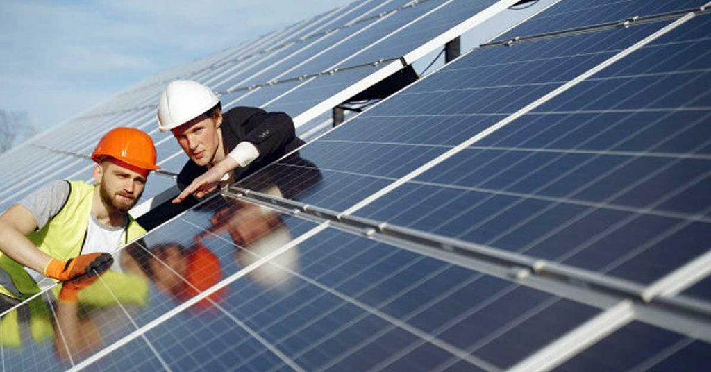 Funcionamiento básico de un inversor solar