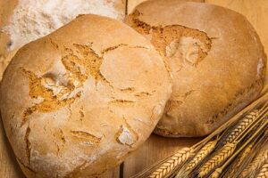 What are the benefits of wheat bread?
