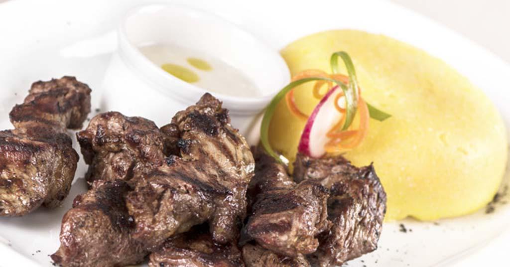 Polenta-de-verano-carne-asada