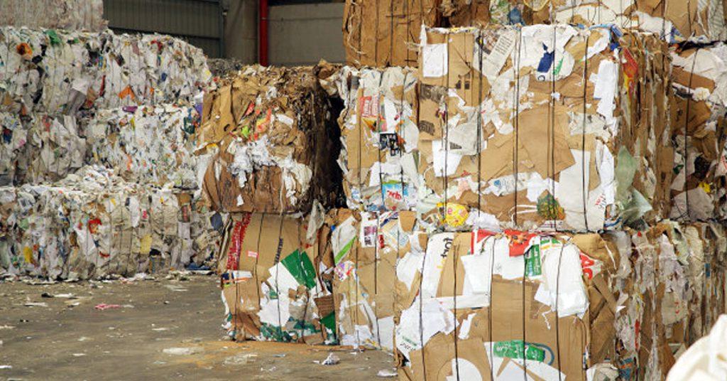 ¿Todo es beneficio? Inconvenientes de reciclar papel
