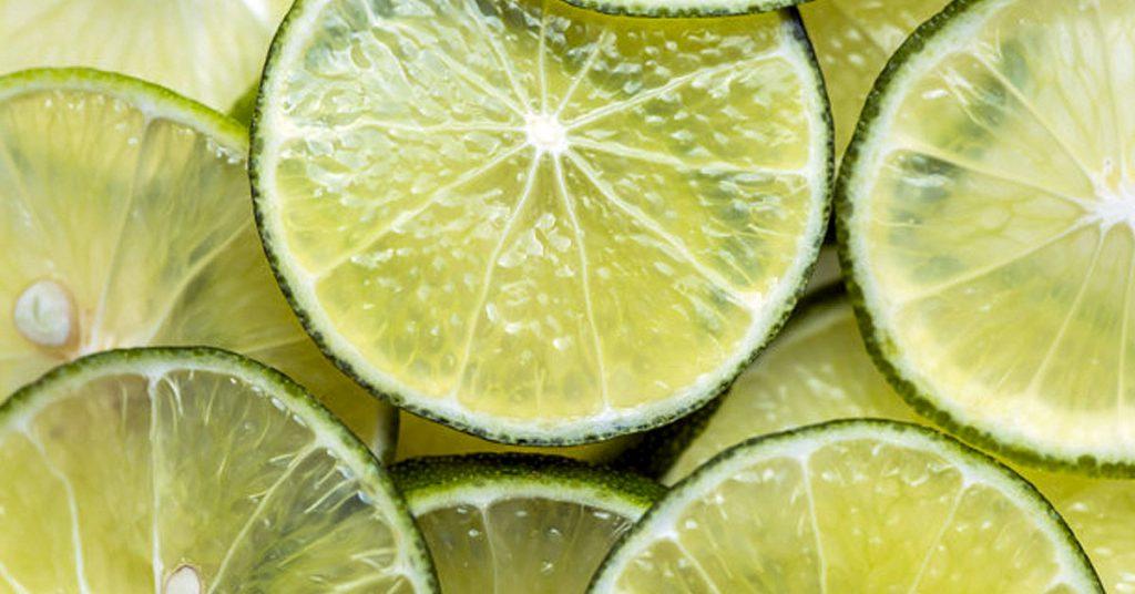 Zumo de limón para descalcificar tu cafetera