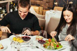9 dicas para uma alimentação saudável e deliciosa num restaurante