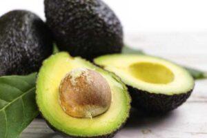Methoden zur Keimung eines Avocadokerns
